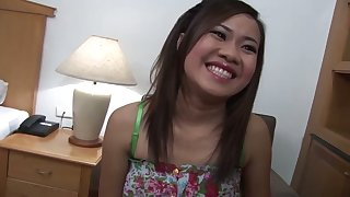 Jizz loving temptress Eve has a pretty smile and she loves getting fucked