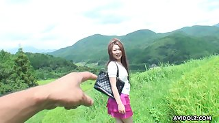 Scorching hot adventurous Japanese spoil loves hiking coupled with open-air fucking