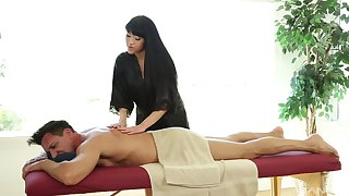 Jayden Lee likes when a dude cum on her confidential after sex on the massage desk